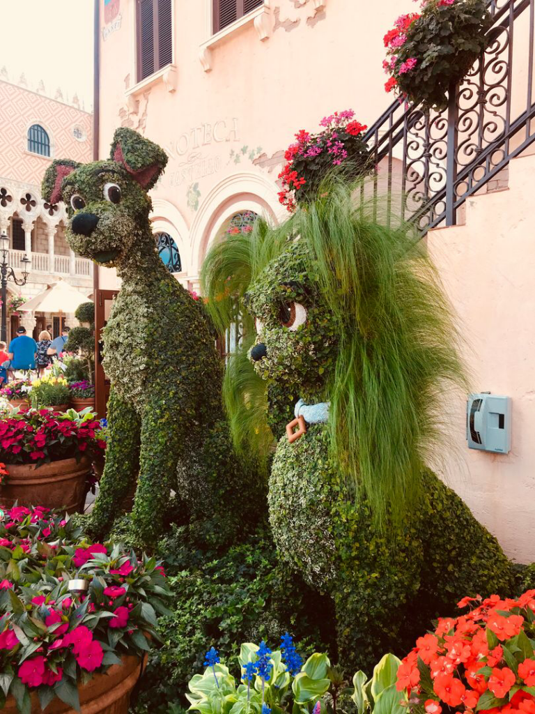 Lady and the Tramp topiary at Epcot Flower and Garden Festival