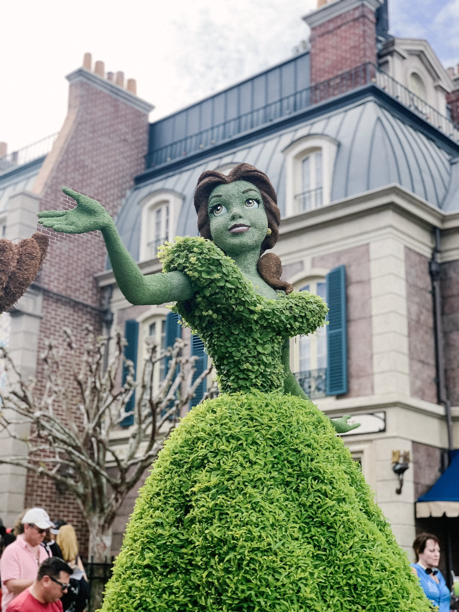 Up close look at the Belle topiary in France at Epcot Flower and Garden Festival