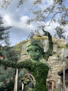 Elsa topiary in Norway at Epcot Flower and Garden Festival