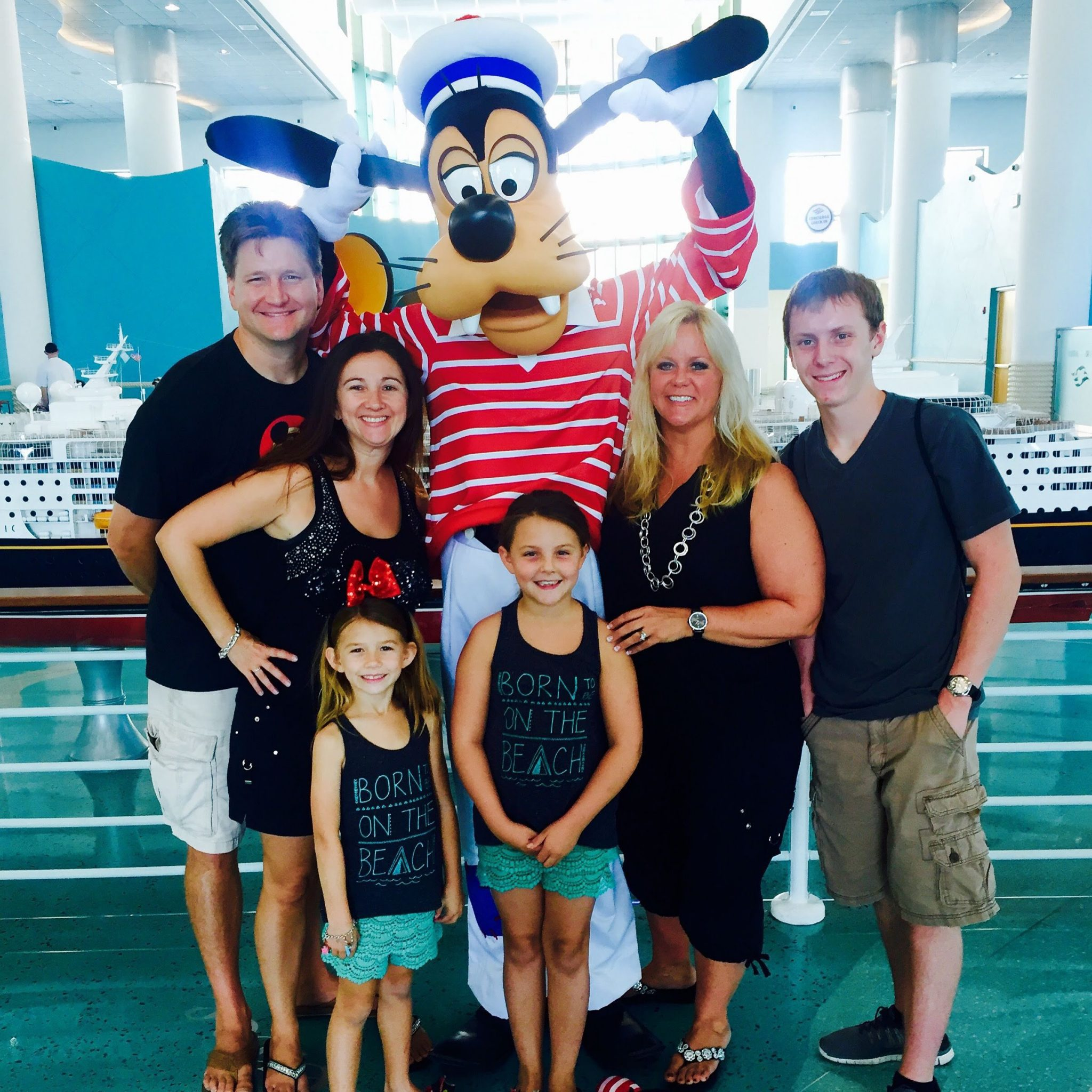 Goofy at Disney Cruise Port Check in
