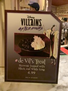de Vil;s treat at Disney's Villains After Hours