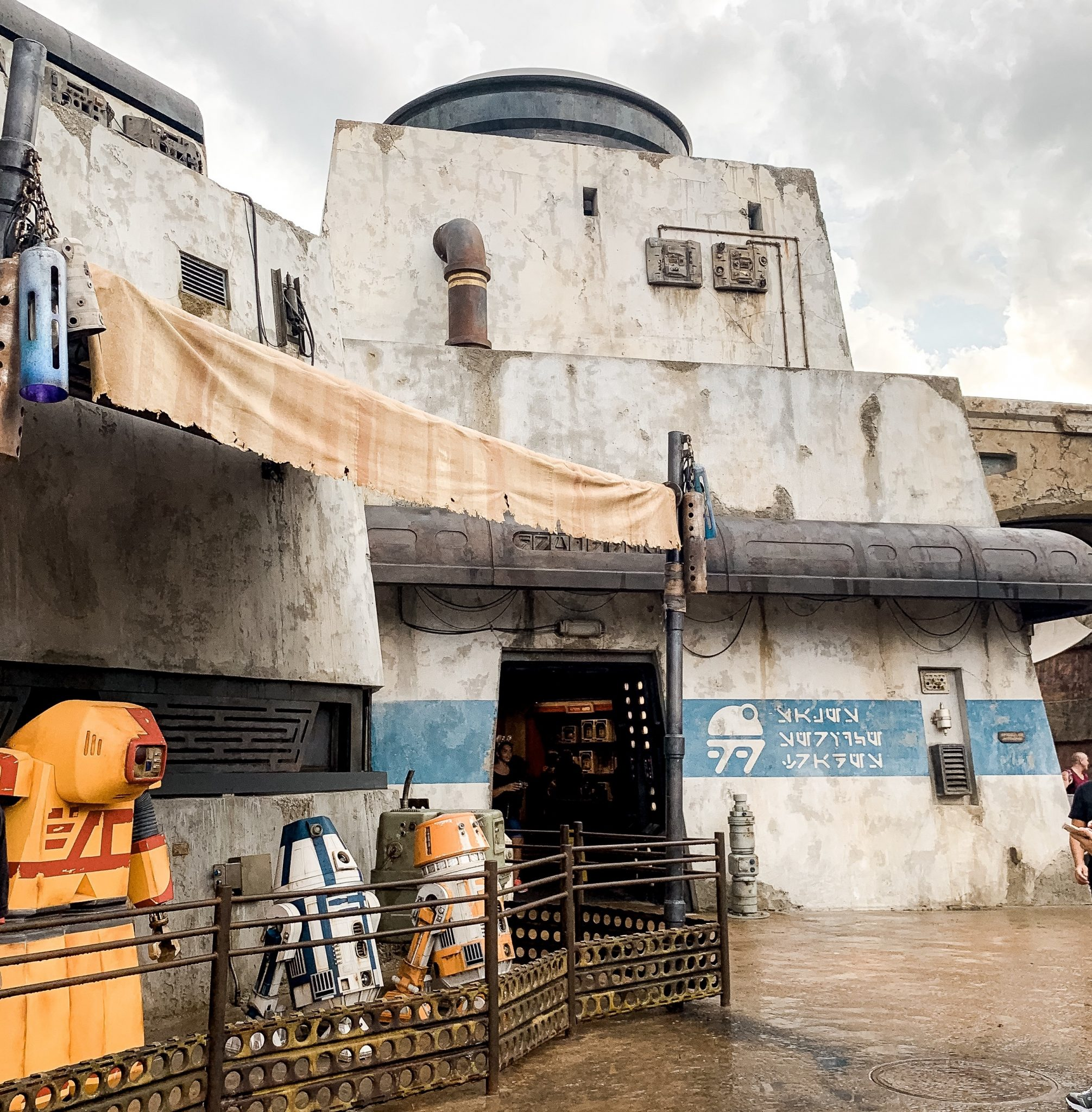Droid Depot Star Wars Galaxy's Edge