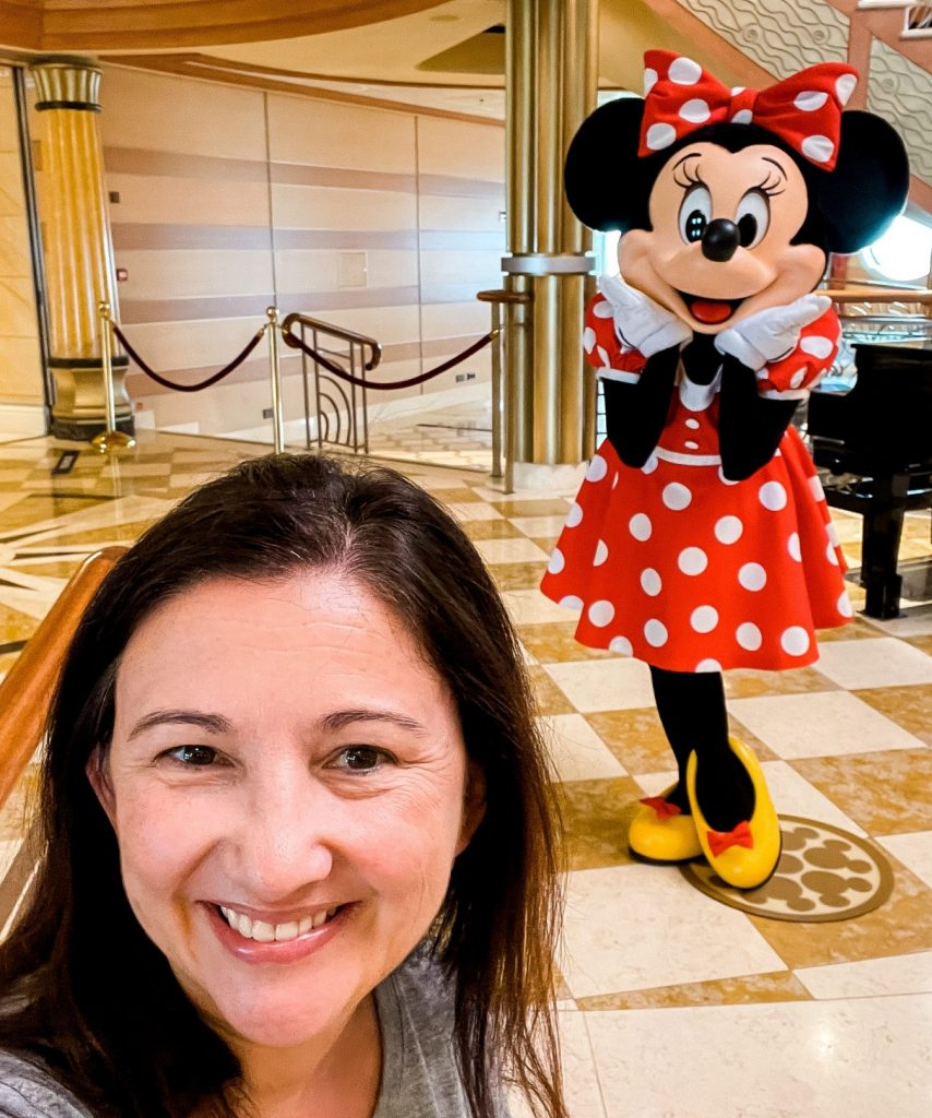 Character picture with Minnie on Disney Cruise Line Dream